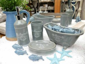 Baddekoration aus Keramik