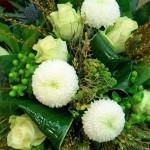 Blumenstrauß in weiß