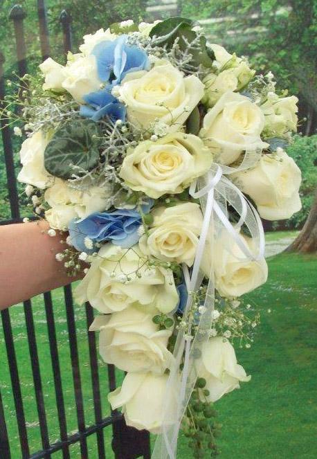 Brautbukett m. weißen Rosen