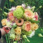 Sommerlicher Brautstrauß pastell