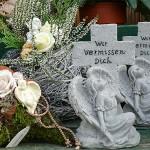 Grabfiguren und Engel