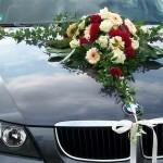 Schmuck für das Hochzeitsauto
