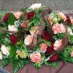 Floraler Sargschmuck